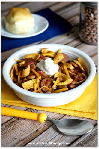 Slow Cooker Chili With Pinto Beans and Sausage