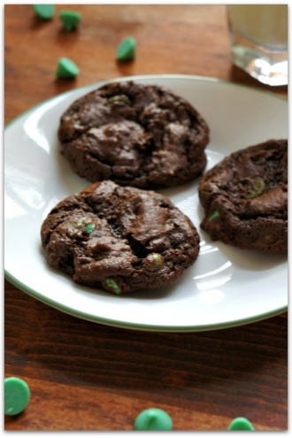 My Favorite Tip for Making Cookie Dough Ahead of Time and a Recipe for Chocolate Mint Chip Cookies