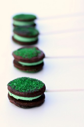 Chocolate Covered Mint Oreo Pops and 25 More Oreo Recipes for National Oreo Day