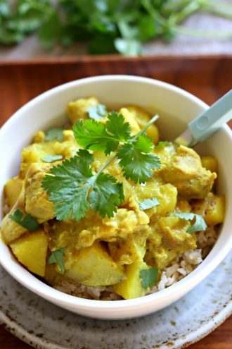 Slow Cooker Yellow Chicken Curry