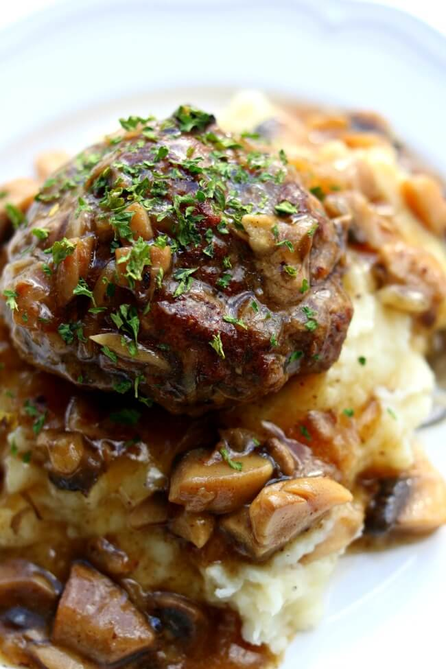 Salisbury Steak: top 25 American Instant Pot recipes that you should try out soon