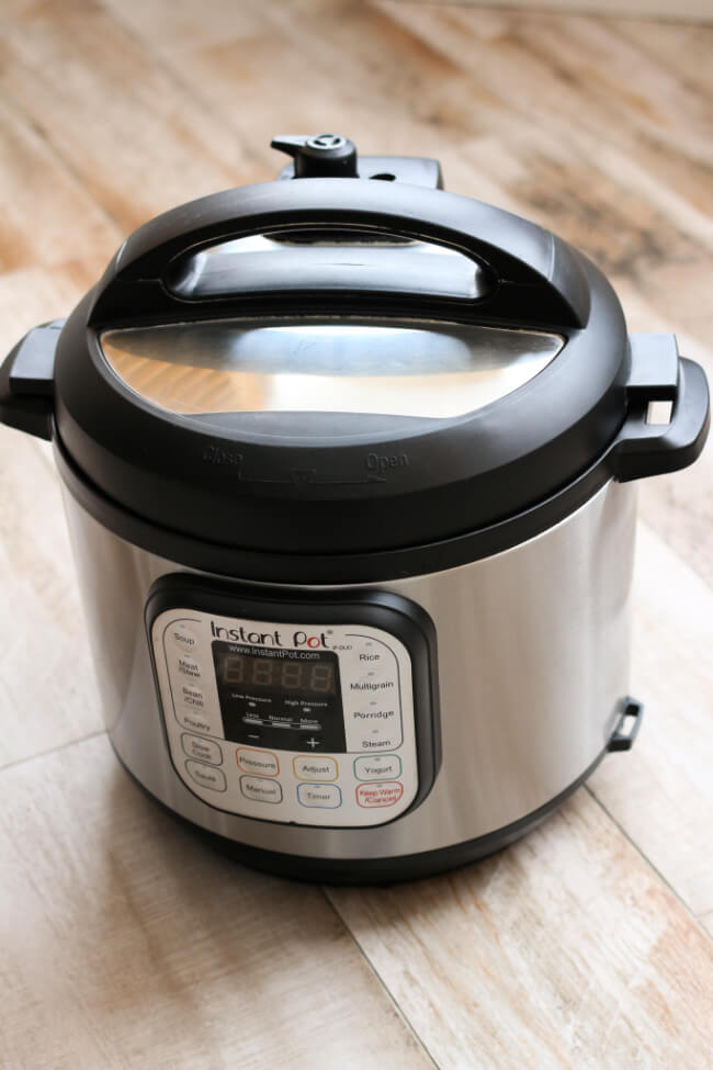How to deep clean your Instant Pot in just 3 easy steps. Plus how to get rid of the smell from your silicone sealing ring.