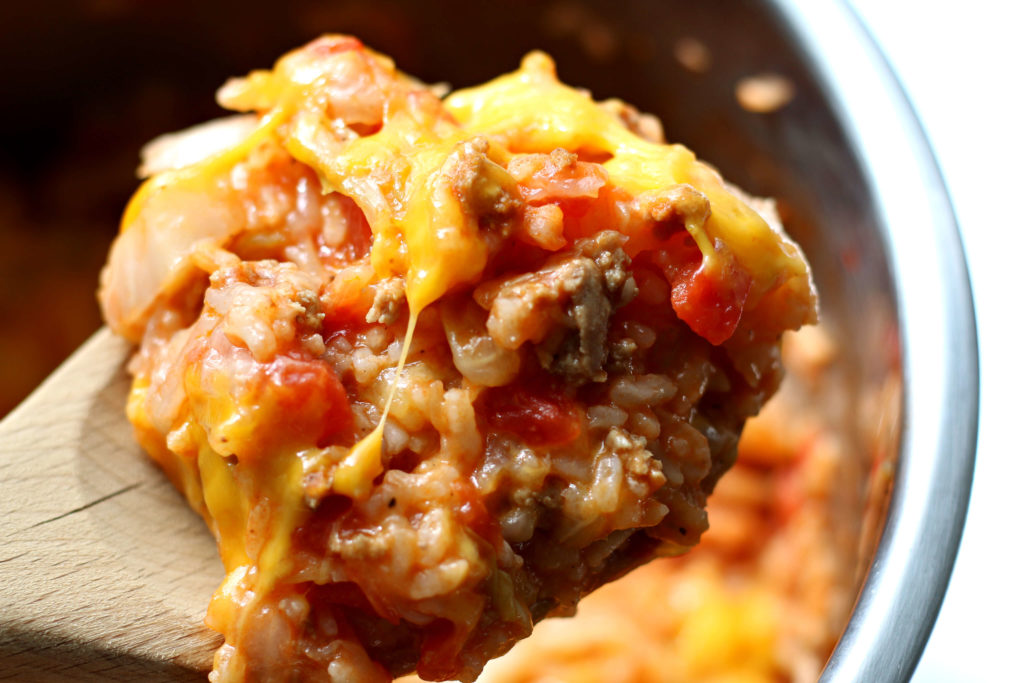 Instant Pot Cabbage Roll Casserole--a super easy and fast way to have the flavors of cabbage rolls for dinner tonight.