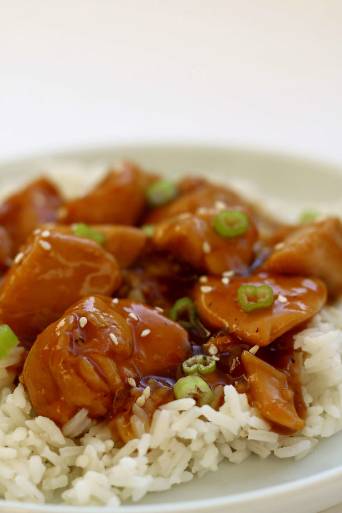 Instant Pot Orange Chicken--tender bites of chicken in a flavorful orange sauce. And it's made fast and easy in your Instant Pot.